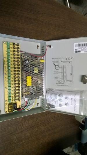 Захранващ Блок 9 канален, 12V 5A